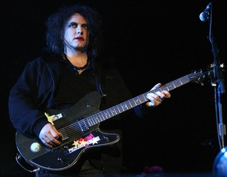 Robert Smith trabaja en lo nuevo de The Cure